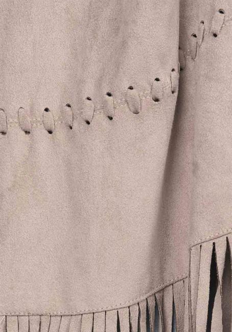 2f85916c2 Kožená imitácia vesty so strapcami APART - Violettemoda.sk