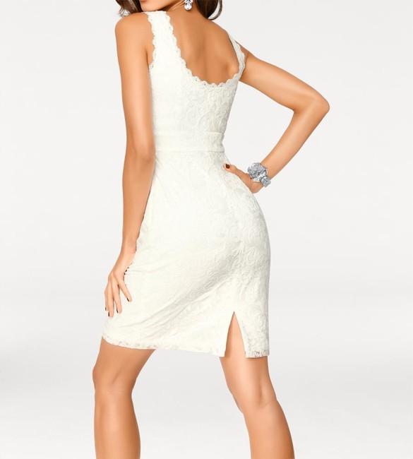 Krajkové biele šaty Carry Allen by Ella Singh - Violettemoda.sk 413683282ef