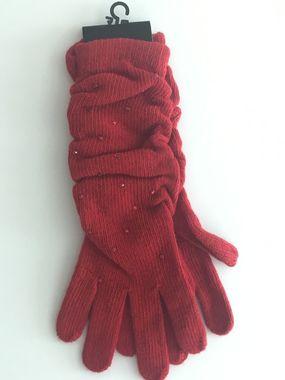 Červené vlnené rukavičky