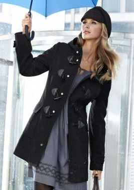 Čierny kabát s kapucňou Aniston