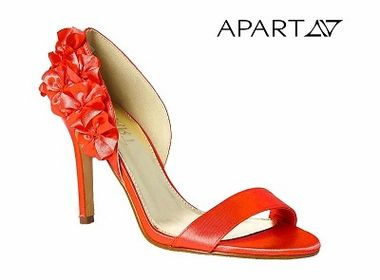 Dámske oranžové sandále APART