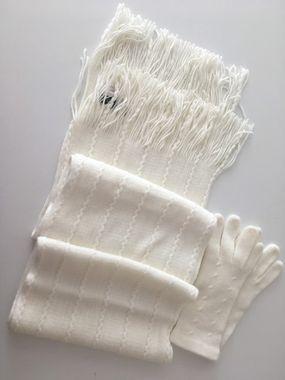 Krémová pletená súprava