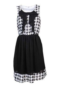 Šifónové čierno-biele šaty s pepítovým vzorom