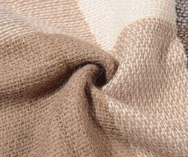 Štvorcový šál s karovaným vzorom - svetlohnedý