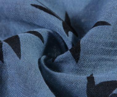 Modrý šál s vtáčikmi