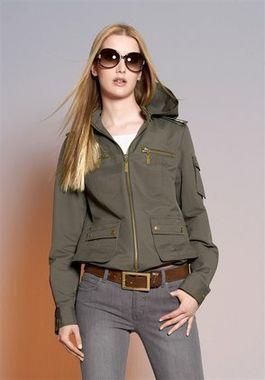 Dámska bunda s kapucňou APART