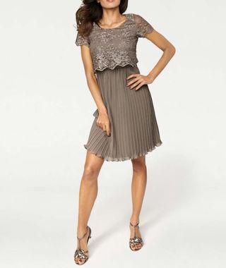 Exkluzívne spoločenské šaty pre ženy  0c6bc386971