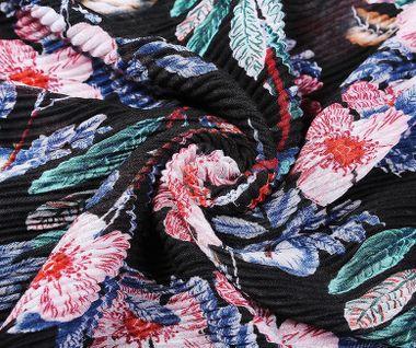 """""""Must have"""" plisovaná šatka s kvetinovým vzorom - čierna"""
