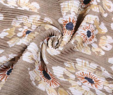 Plisovaná šatka s kvetinovým vzorom - béžová
