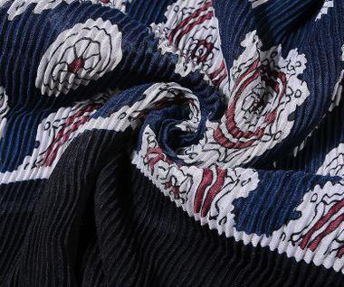 Plisovaná šatka so vzorom - čierna