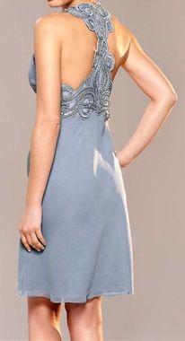 Spoločenské šaty s výšivkou APART b5f96646d41